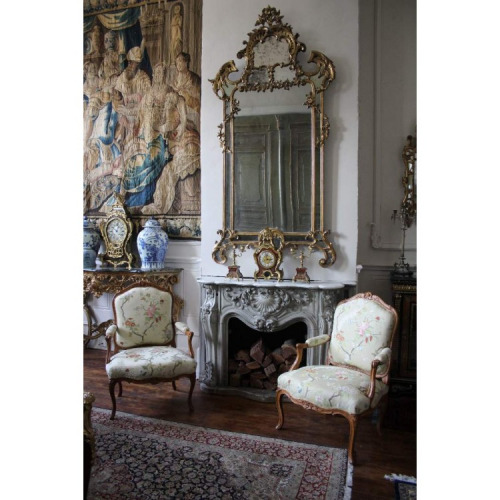 A GRAND 18TH CENTURY LOUIS XV PERIOD, GILTWOOD PARCLOSES MIRROR. CIRCA 1745